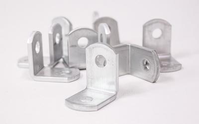 Alumiinikiinnikkeet, 10 kpl