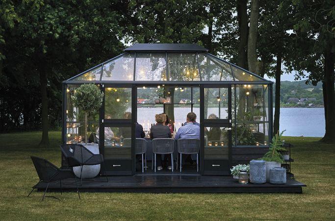 Kasvihuone Juliana Grand Oasis 13,0 m² muurille, turvalasilla, antrasiitin harmaa